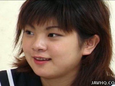 Chubby face Yuki Makino gives a head on cam