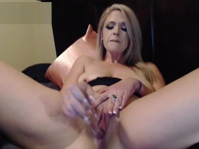 Playing with my pussy til I cum so hard!