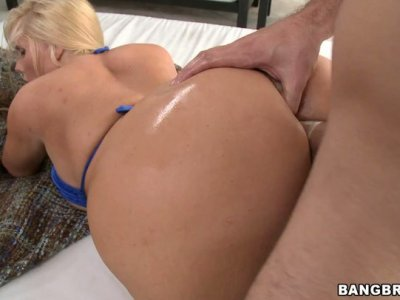 Bubble butts of Nikki Stone and Karen Fisher get banged in foursome